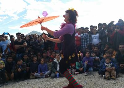 camp-refugiats-2015-cirquet-confetti-actuacio